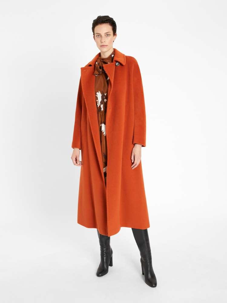 Manteau en castorine de laine