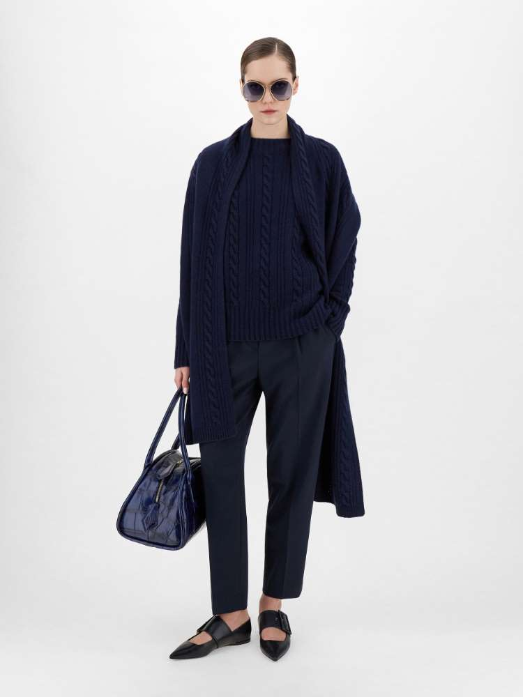 Wool and cashmere yarn sweater