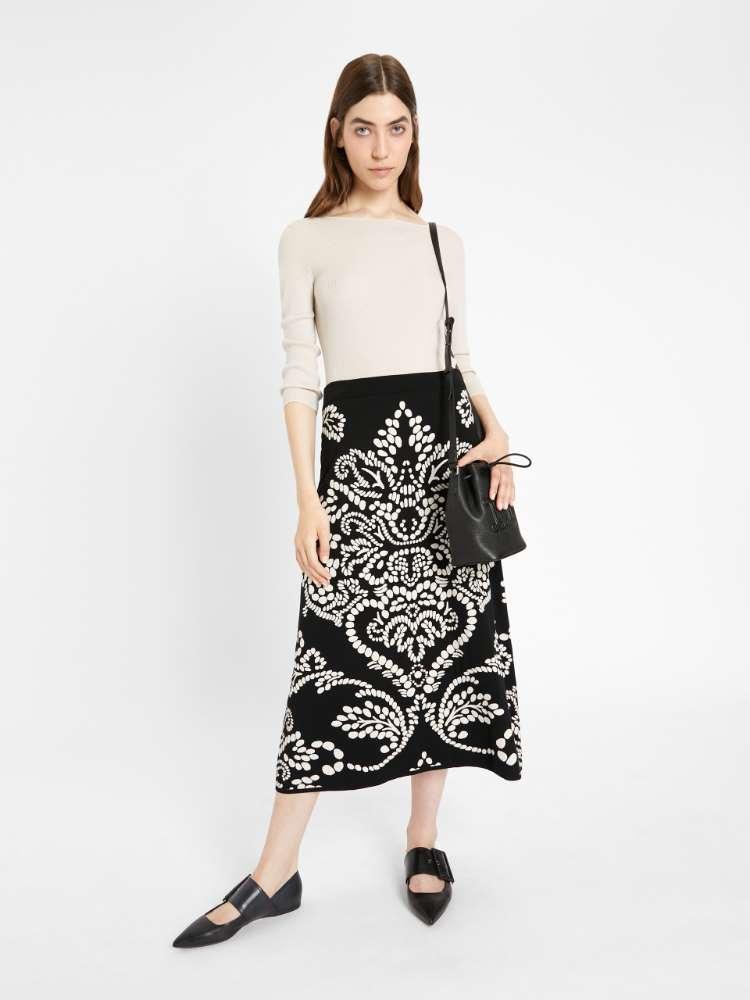 Jacquard yarn skirt